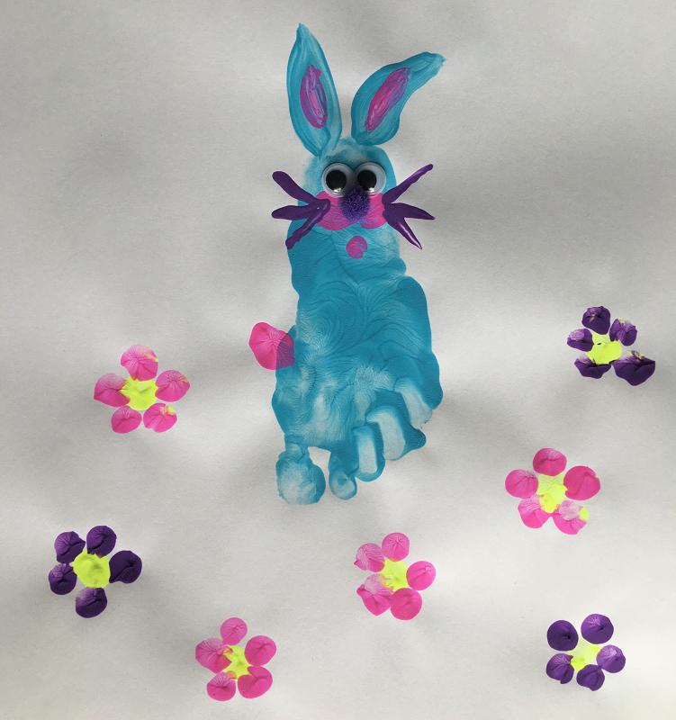 Lapinot de Pâques, empreintes de pieds