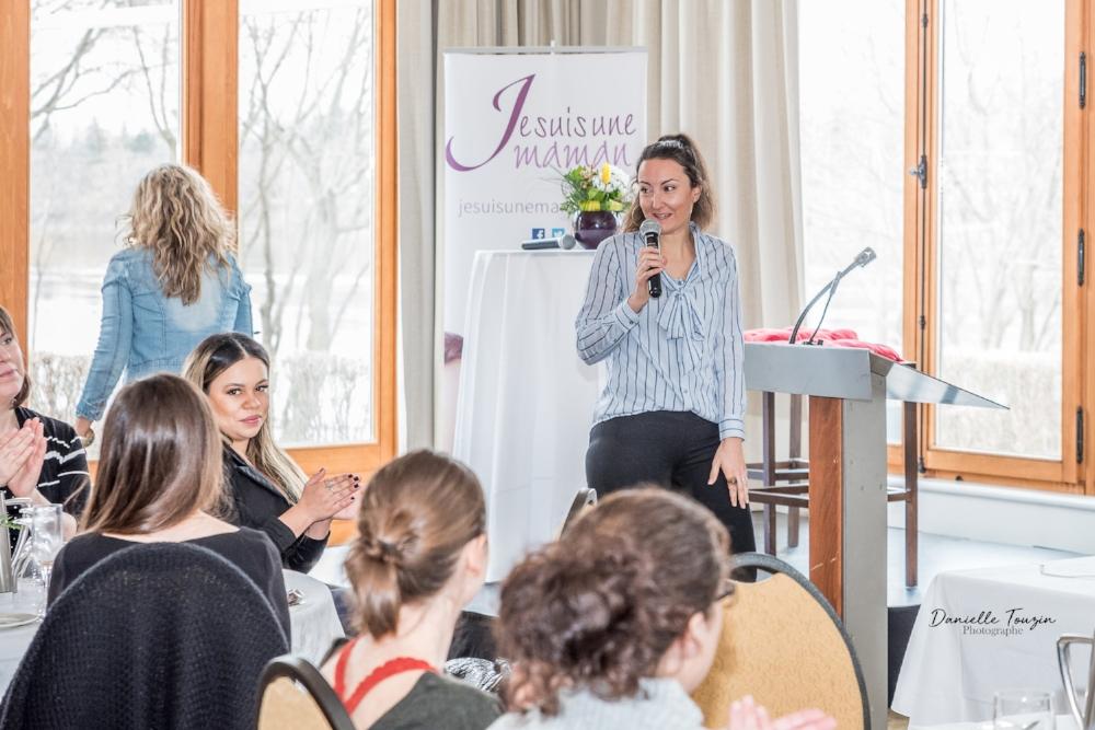 Rassemblement Je suis une maman 2018-Je suis une maman-Jaime Damak-événement pour les mamans-cadeaux-photos-Photographe-Danielle Touzin Photographe
