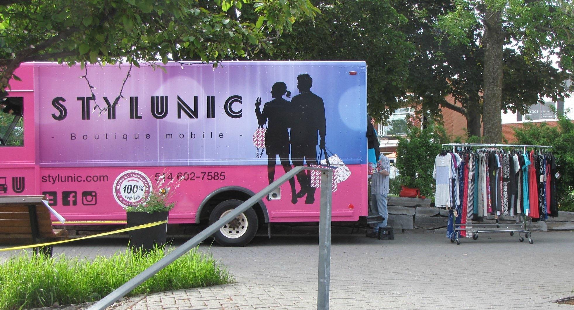 Stylunic-boutique mobile-camion rose-boutique en ligne-mode femme-événements-à la maison-vêtements femme-faits au Québec-Designer québécois-Je suis une maman