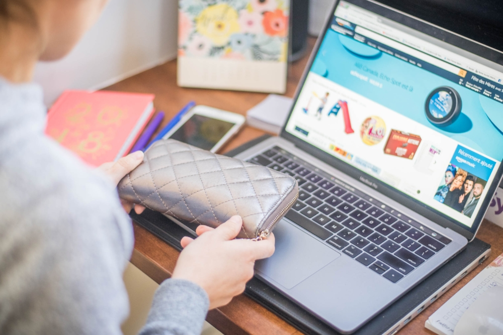 aeroplan-nouvelle promotion-avantages membres-magasiner en ligne-shopping en ligne-Aeroplan-voyage-prime-récompense-Amazon-achat en ligne-Jaime Damak-Je suis une maman