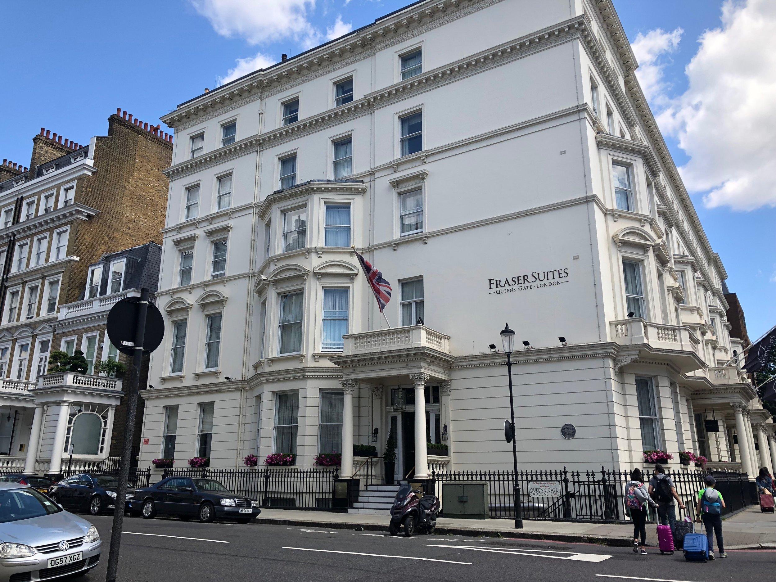 hébergement à Londres-London-Fraser Suites-Queen Gate-London-Jaime Damak-Angleterre-Booking.com-voyager en famille-hôtel-Voyage-Je suis une maman