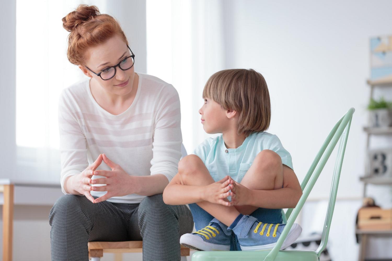 conversation-discussion-on jase-discussion avec nos enfants-sécurité-consentement-inconnus-maman-enfants-Je suis une maman