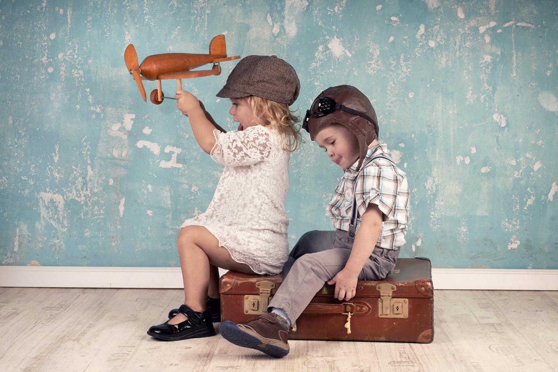 #AnecdoteDeVoyage-Voyage-papa-père-bébé-paternel-famille-former équipe-Maman-petite fille-fillette-avion-dodo-Je suis une maman