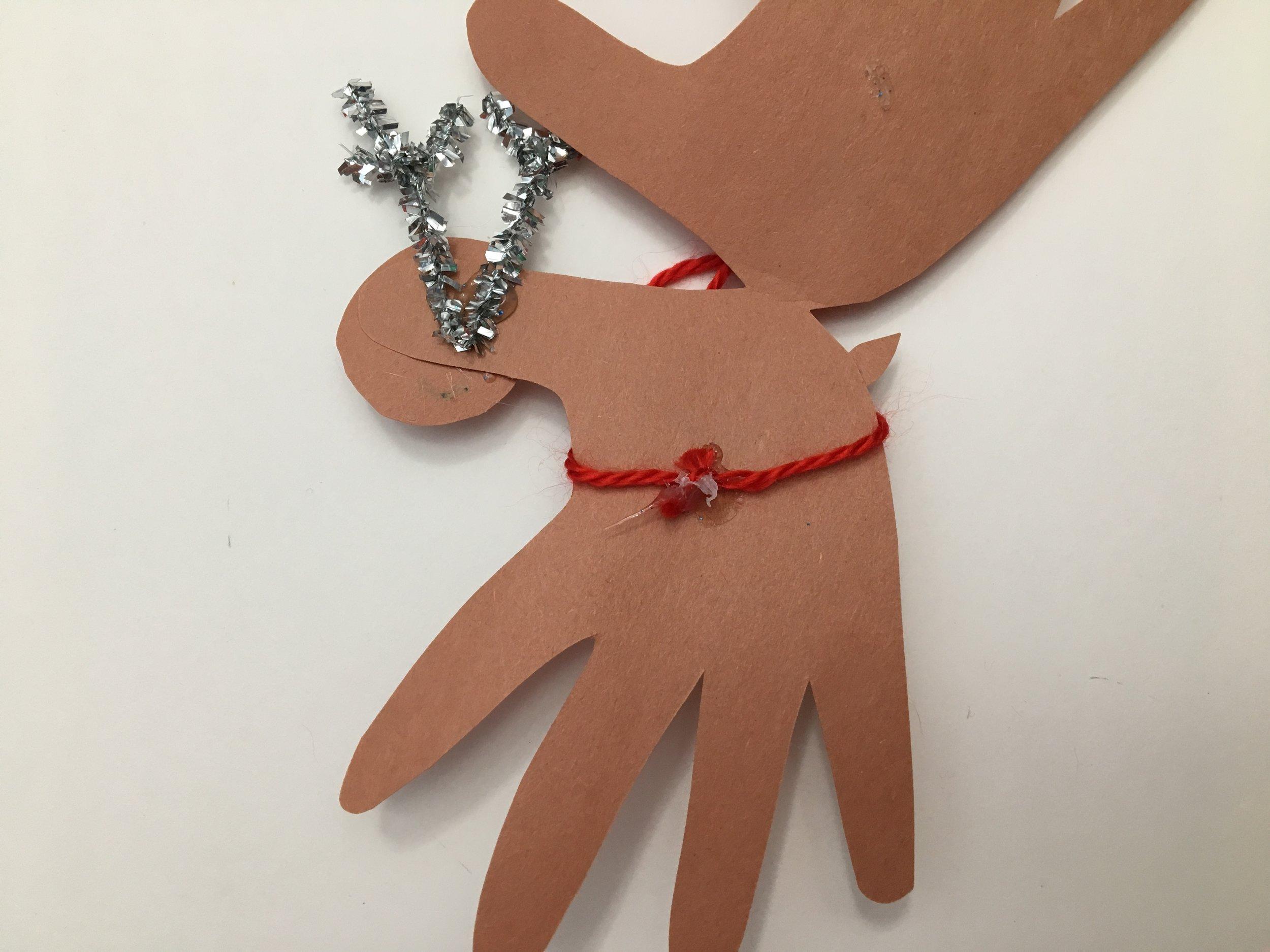 carte de Noël-brico-cadeau-offrir-Renne-Noël-Fêtes-MamanBricole - #MamanBricole- diy- bricolage-enfants-Je suis une maman