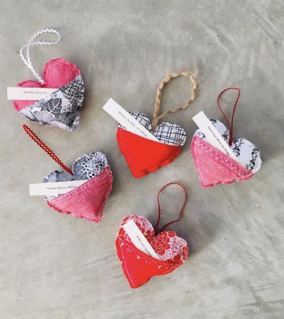 Saint Valentin- Valentin-cadeaux pour l'être aimé-fête de l'amour-coeurs-Je suis une maman