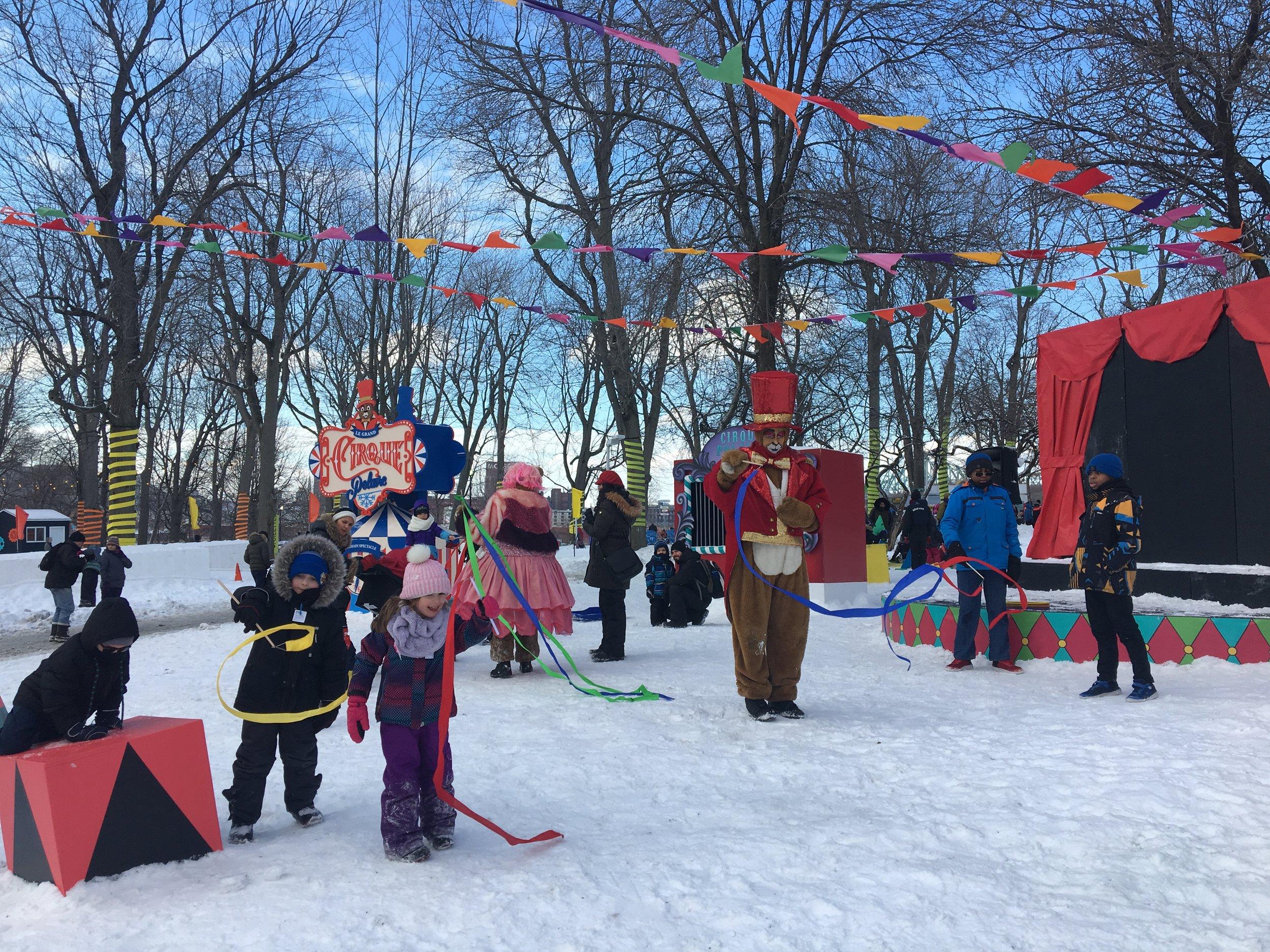 Fêtes des neiges de Montréal-sortie en famille-jouer dehors-glissade sur tubes-jouer dehors-activité familiale-MamanBricole-Je suis une maman