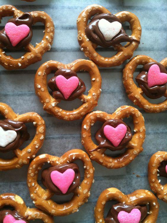 collations pour la Saint-Valentin-fêtes de l'amour-enfant-collation-snack-manger-assiettes-valentines-Je suis une maman