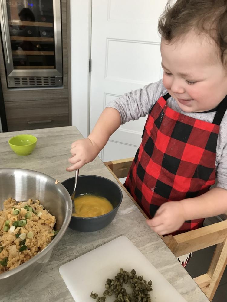 activités à faire dans la maison lors de la semaine de relâche-intérieures-activités familiales-enfants-Maman Bricole - #MamanBricole-Cuisinons en famille avec RicarNo-Je suis une maman