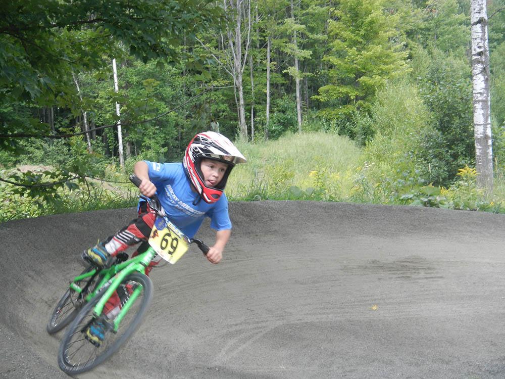 Camp d'été-camp 100% vélo-BMX-jeunes-enfants-été-suggestions-je suis une maman