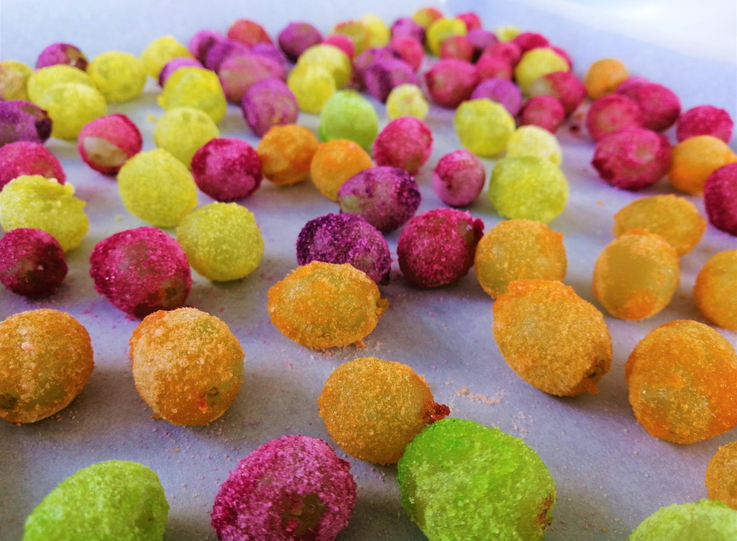 raisins-colorés-collation-poudre-jello-bonbon-santé-cuisine-recette-famille-congéler-été-frais