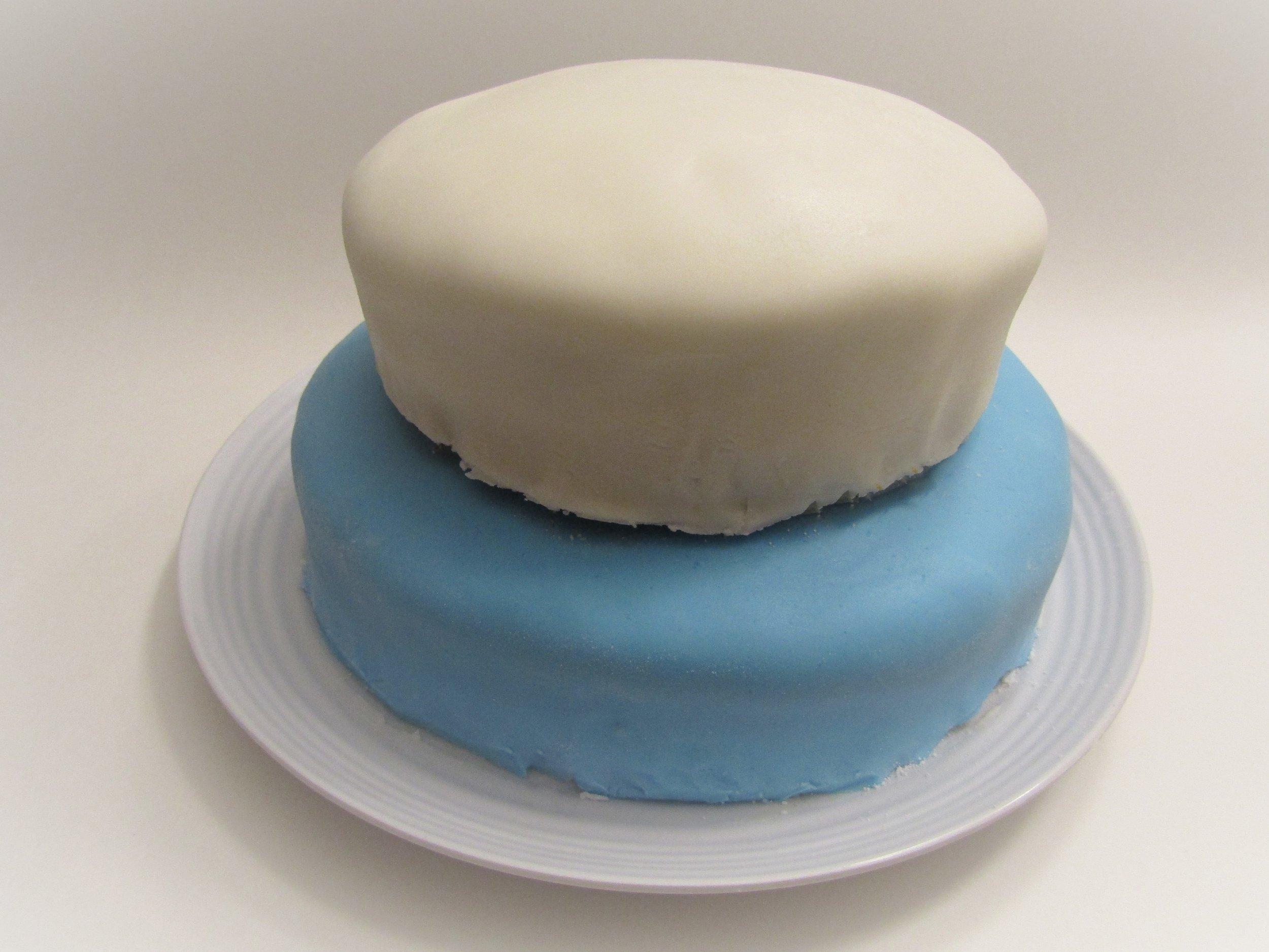 gâteaux-superposés-fête-enfant-boucle-bleue-facile