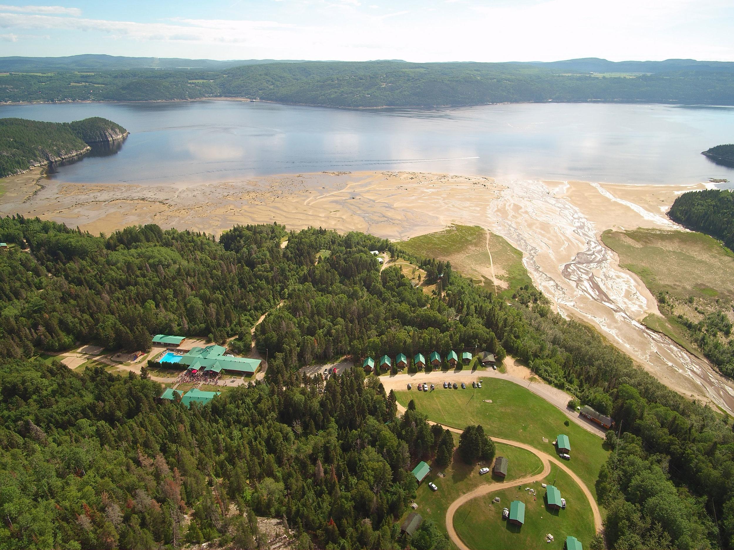 village-vacances-petit-saguenay-vacances-familiales-été-activités-camping-chalet-fjord