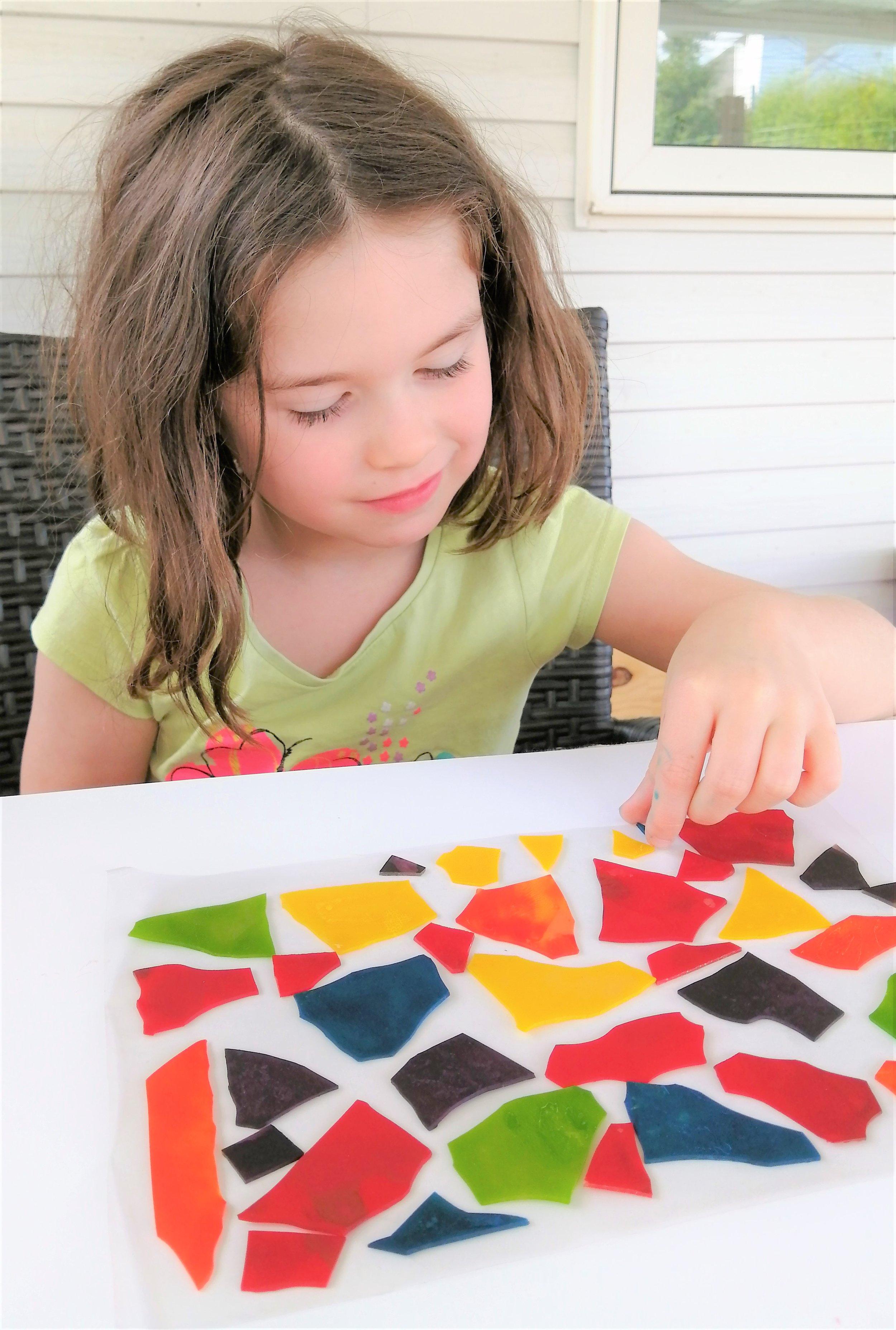 vitraux-lasagnes-art-couleur-enfant-bricolage