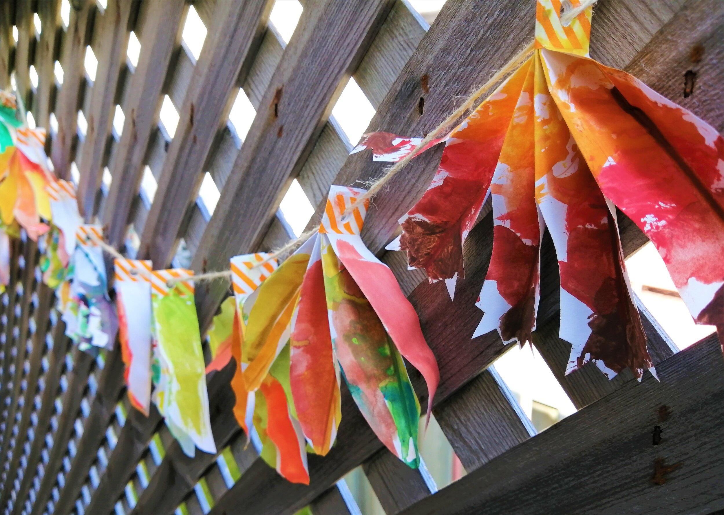 coloré-festif-guirlande-décoration-diy-enfants-bricolage