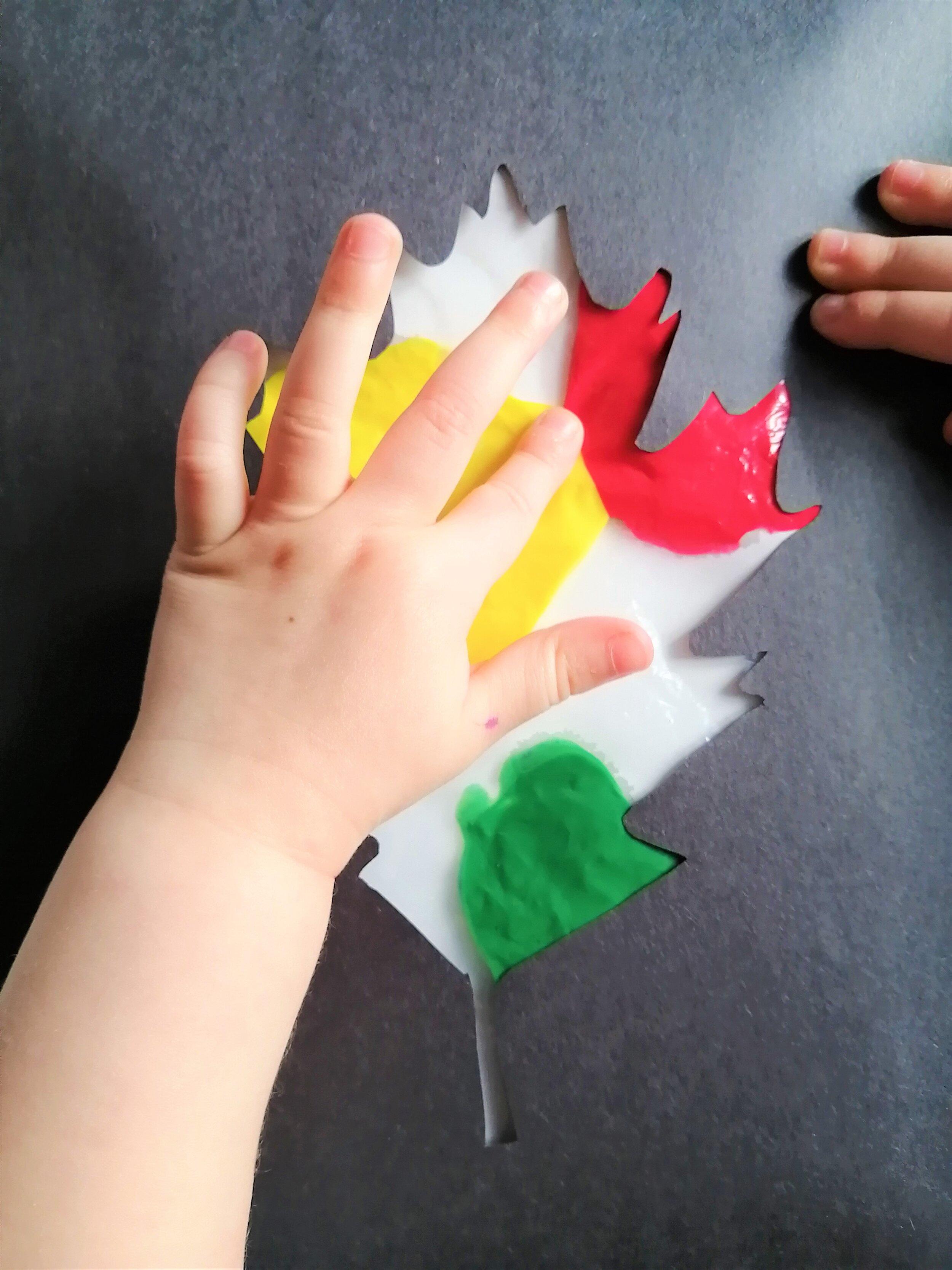 peinture-avec-les-doigts-enfants-maman-bricole