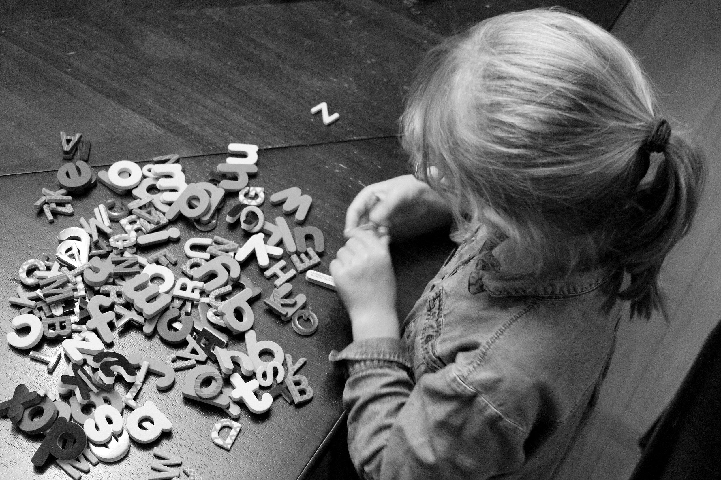 routine-devoirs-idées-lettres-aimantées-varier-sucre-jeu