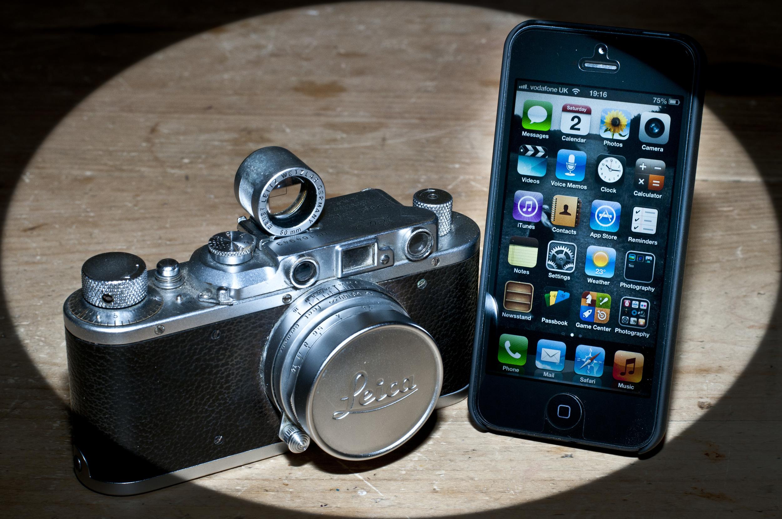 IPhone vs Leica.jpg