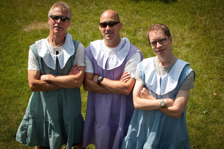 dustin-main-do-it-in-a-dress-10.jpg