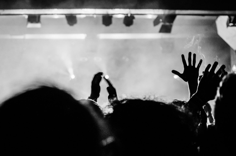 Hands on Fire. Bonobo live in Berlin, Germany © Dustin Main 2013