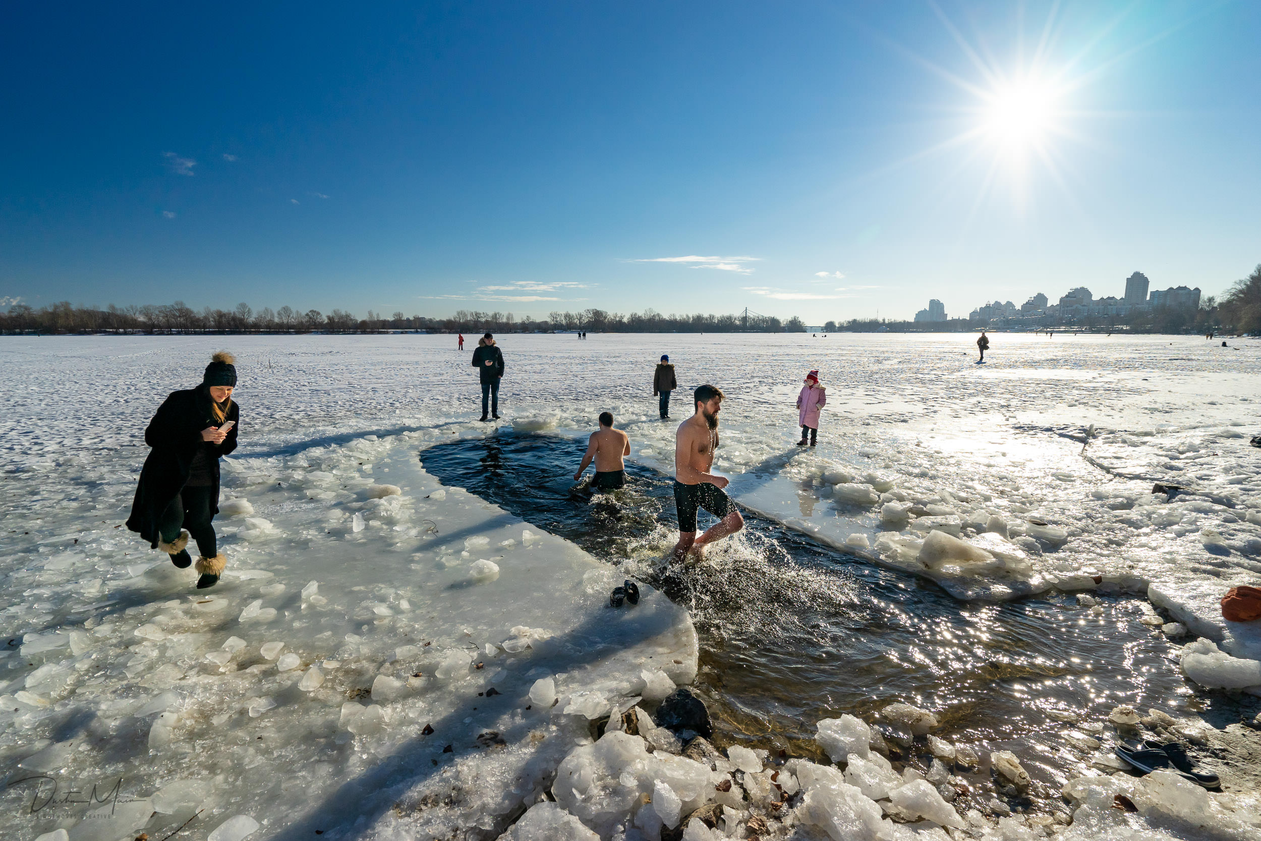 On and around the shore of the Dnieper river for Epiphany. © Dustin Main 2019