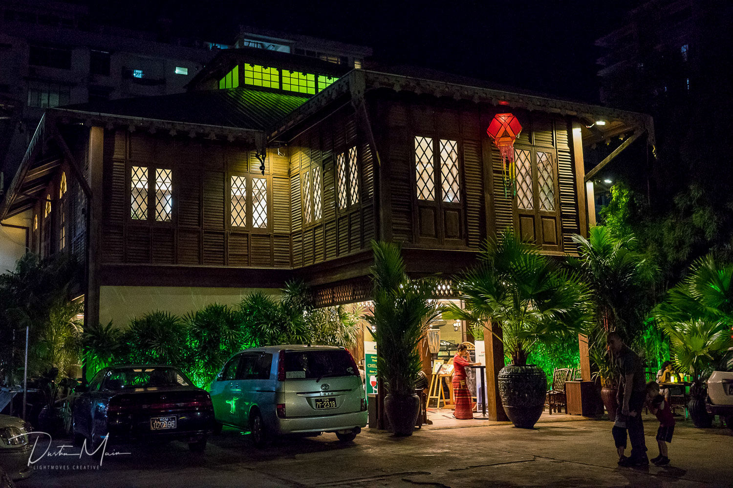 Dinner in teak mansion from the turn of the 20th century