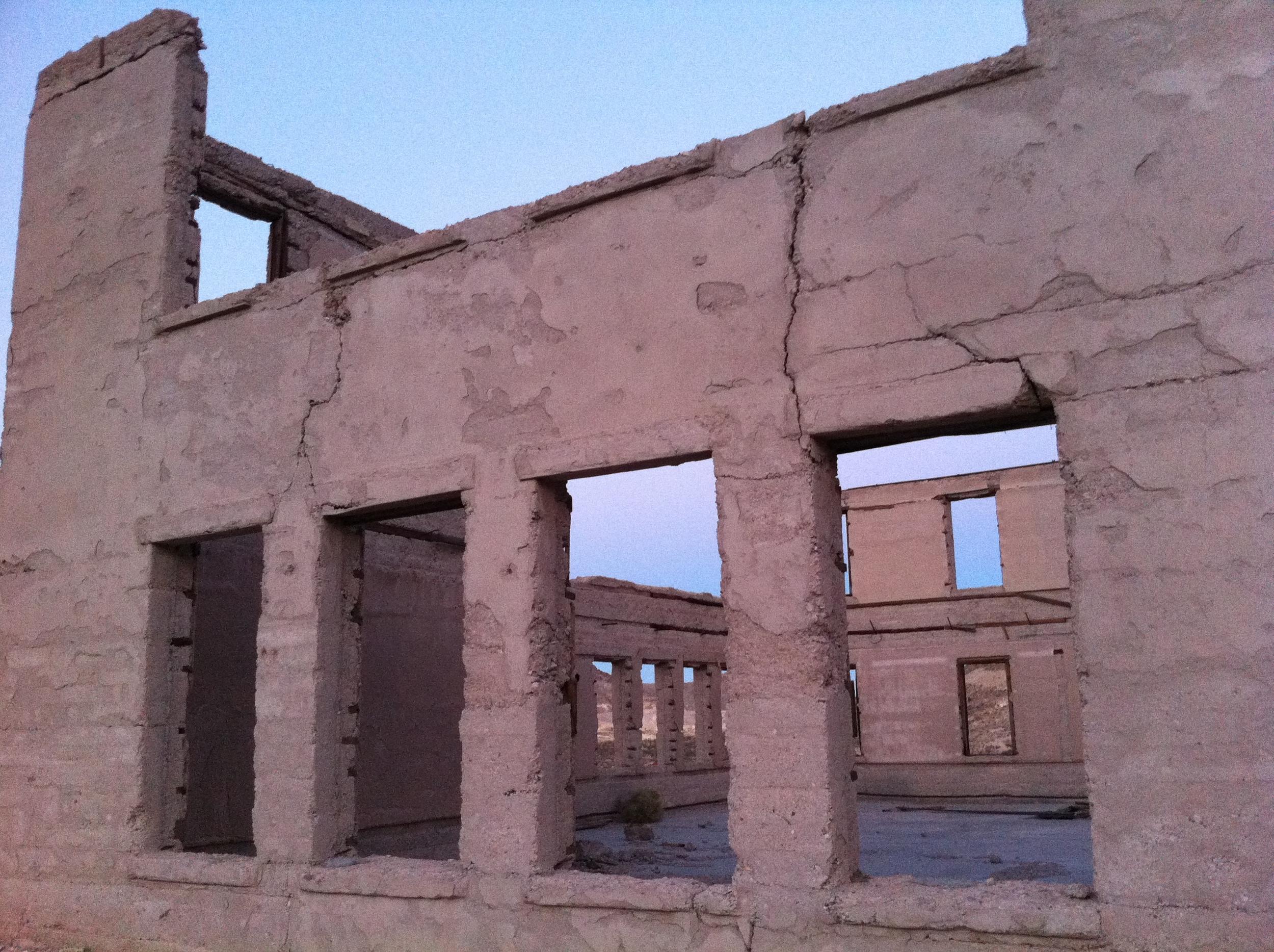 More abandoned buildings, Rhyolite