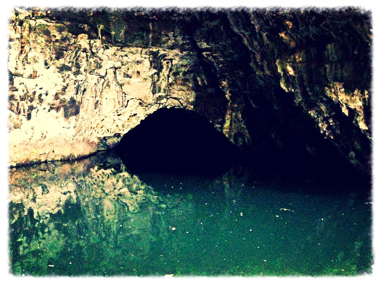 Waikanaloa Wet Cave