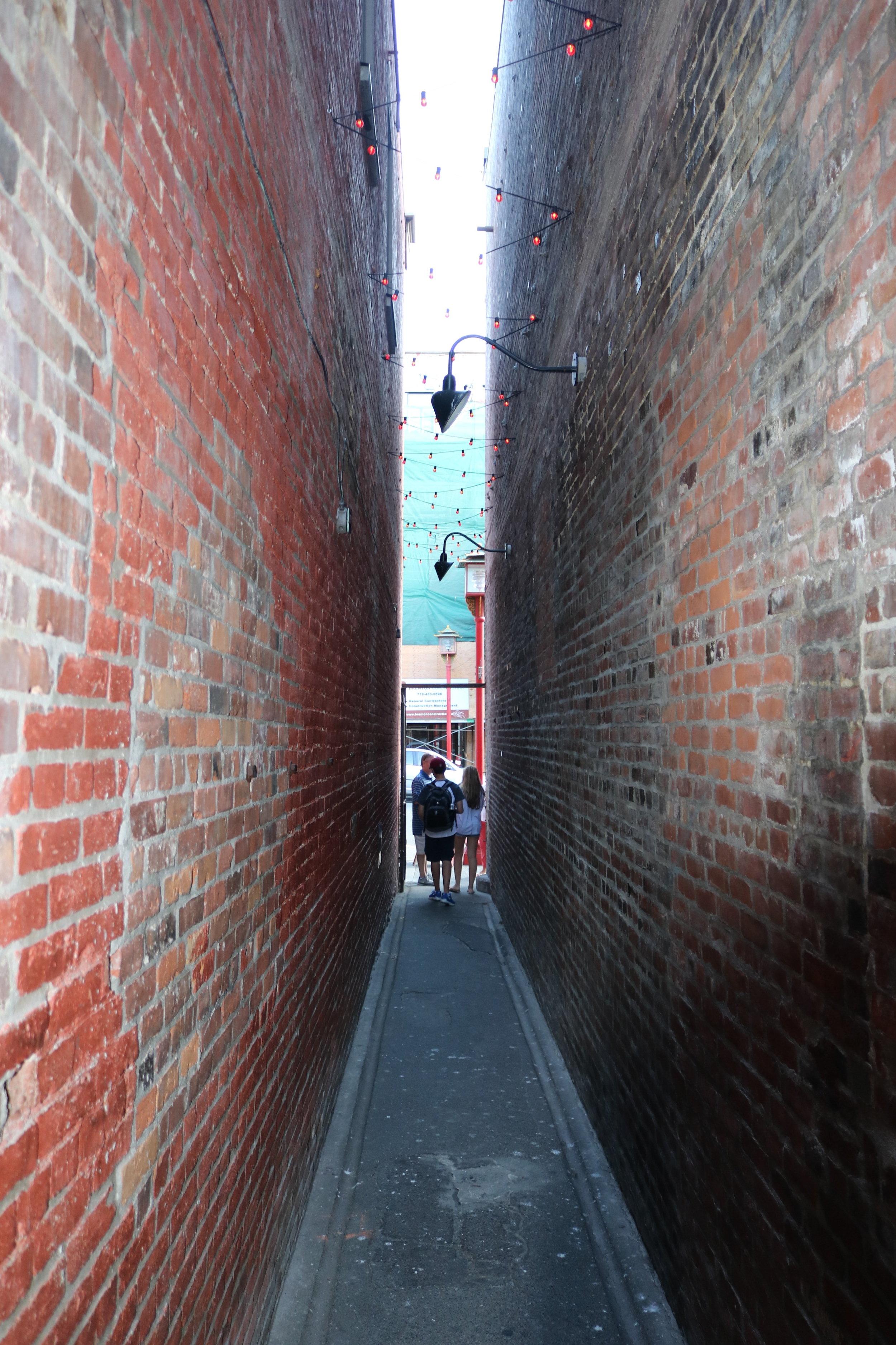 Fan Tan Alley is the narrowest street in Canada
