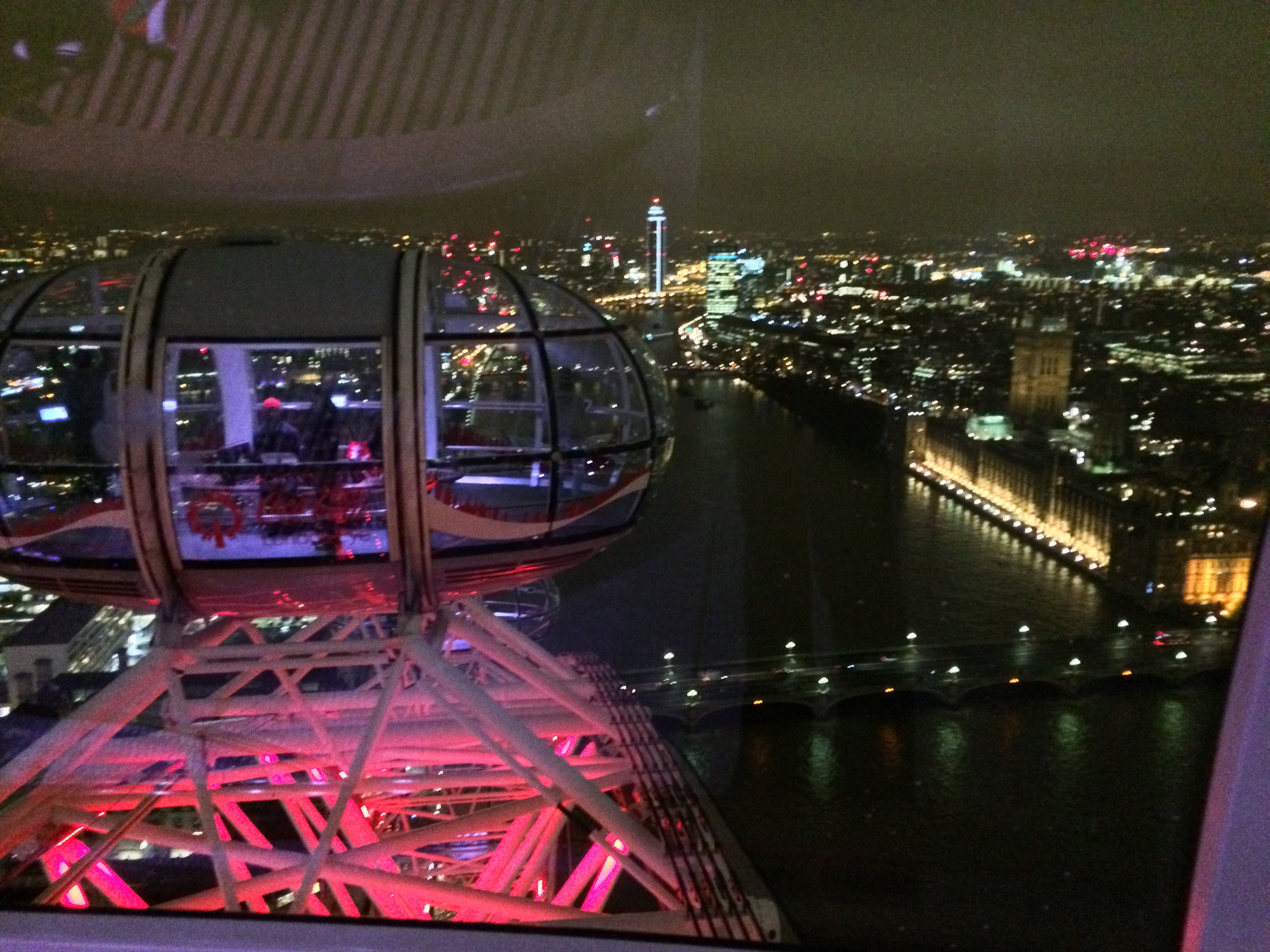 Each capsule of the Eye has great views, and moves gradually along the wheel.