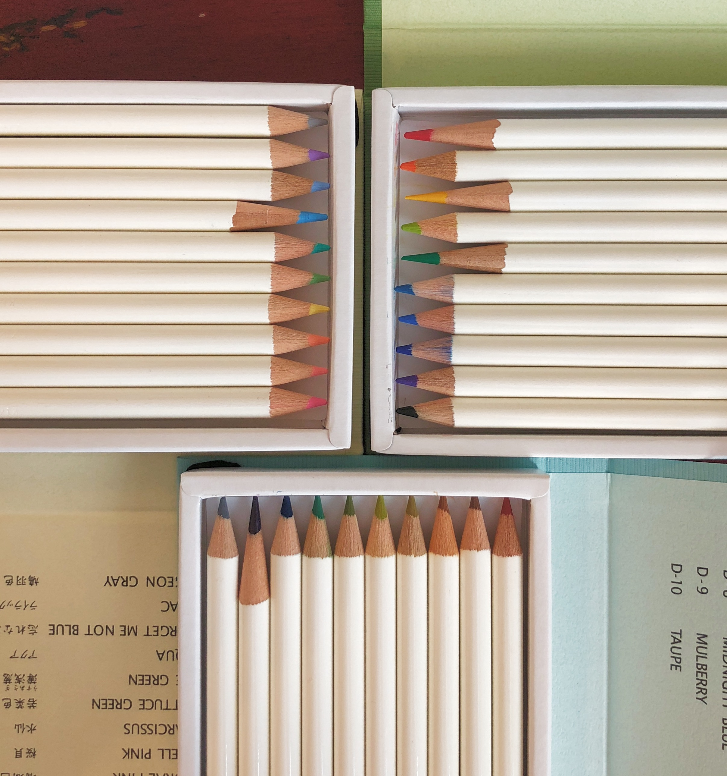 Tombow Irojiten Color Dictionary Color Pencil Storage