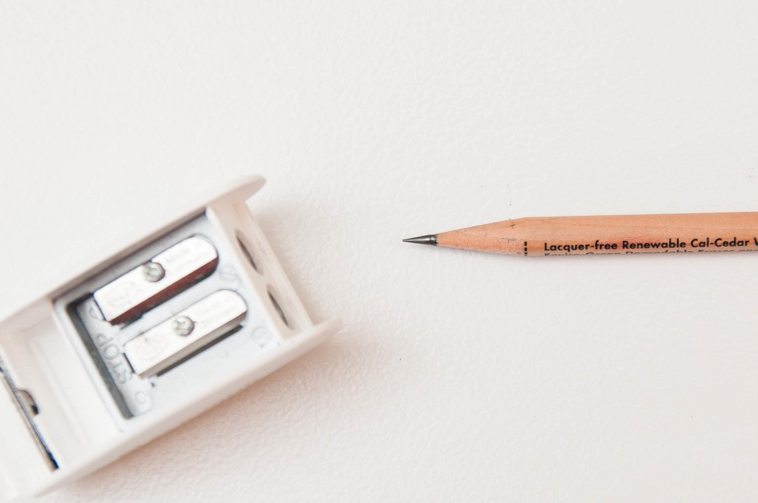 Palomino KUM Blackwing Long Point 2 Step Pencil Sharpener Step 2