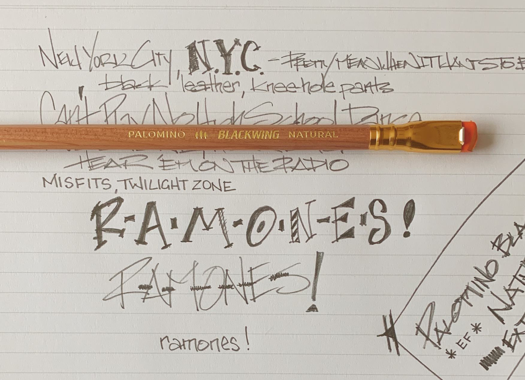 Palomino Blackwing Natural Writing