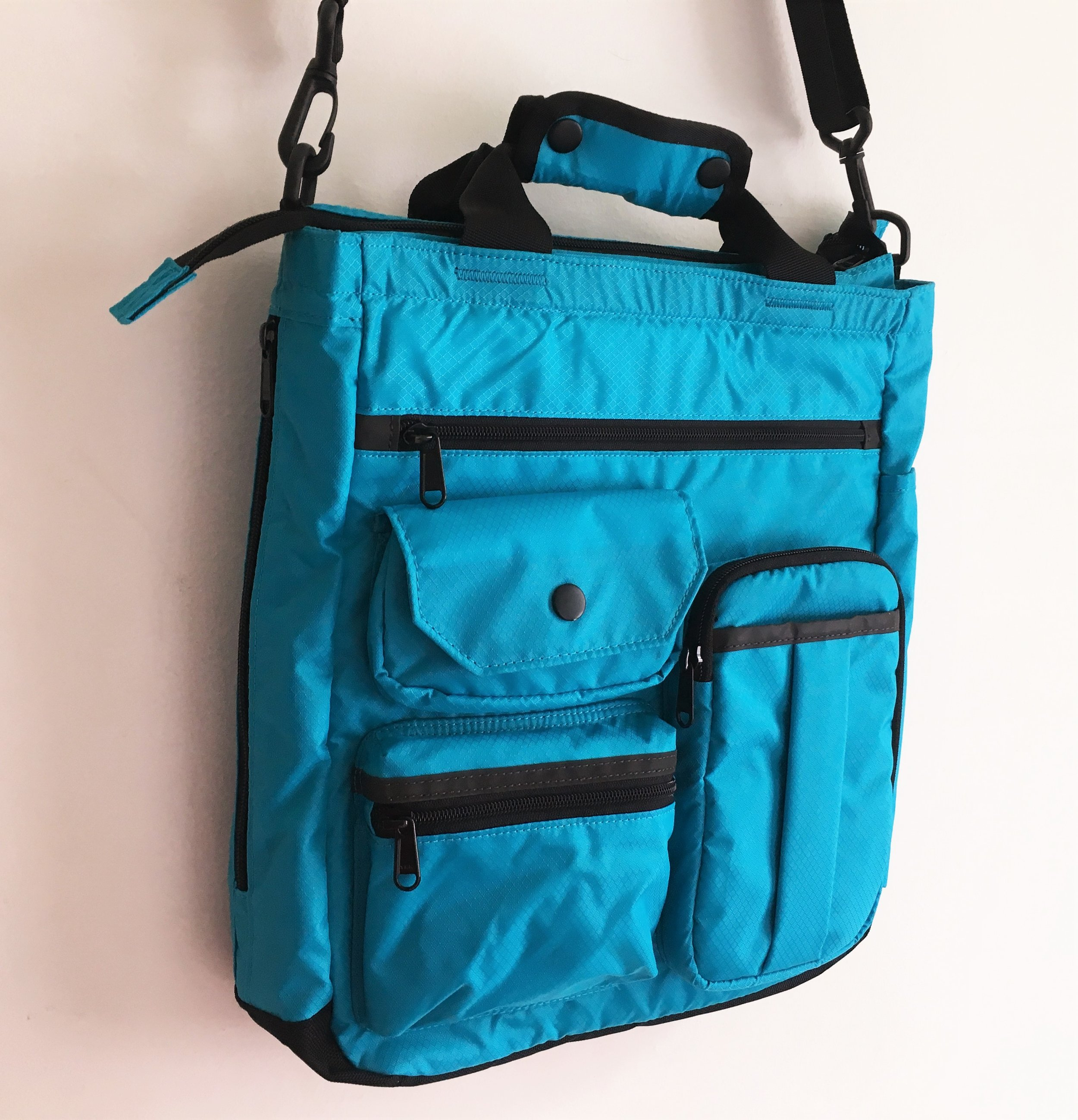 Nomadic NF-01 Tote Shoulder Bag Review
