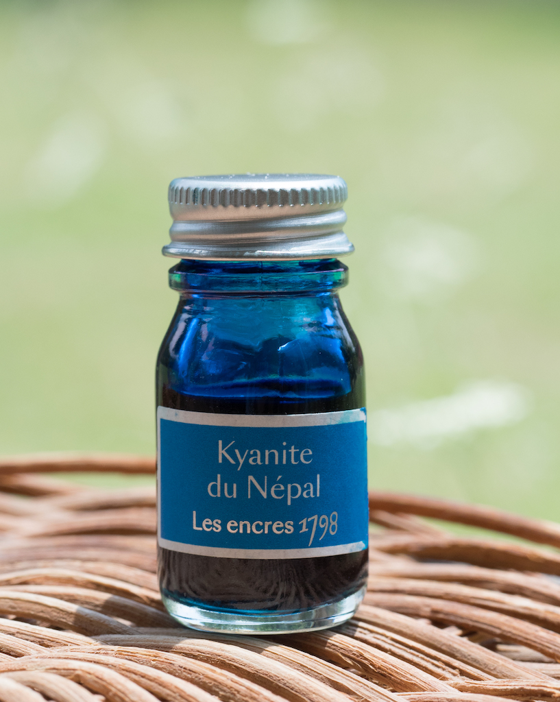 J. Herbin Kyanite du Népal Ink Review