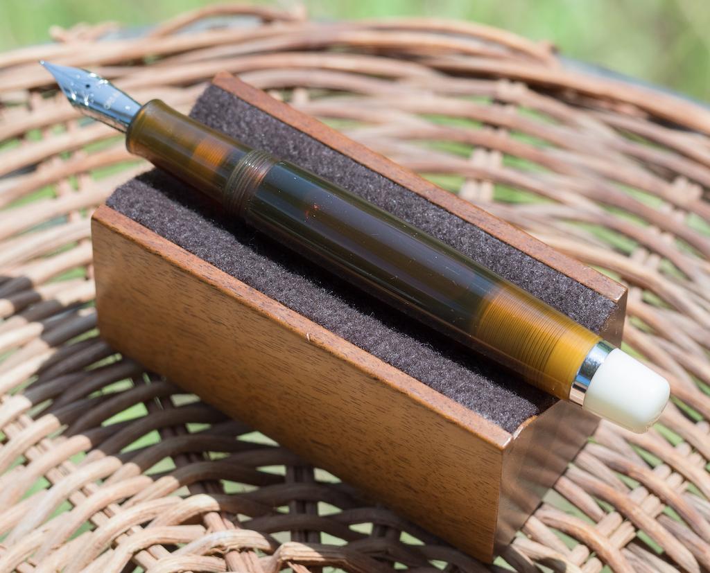 Opus 88 Omar Tiger Eye Fountain Pen