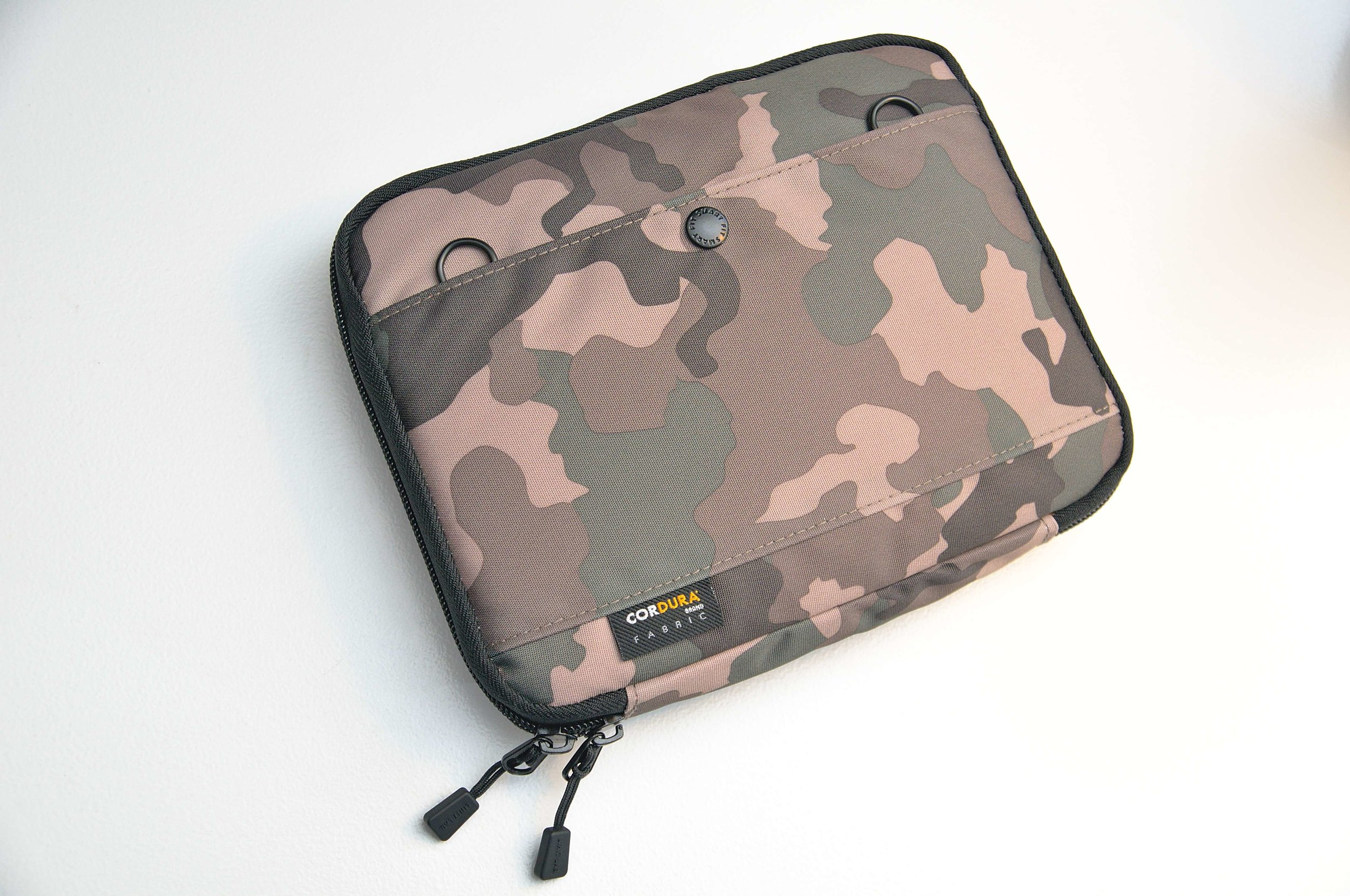 Lihit Lab Smart Fit B6 Carrying Pouch Review