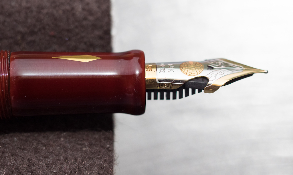 Nakaya Long Cigar in Aka-Tamenuri Nib Cutouts