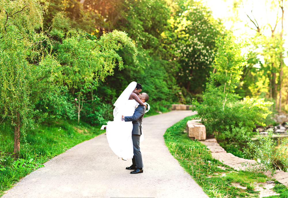 Toronto_Edwards_Gardens_Wedding_Photography.jpg