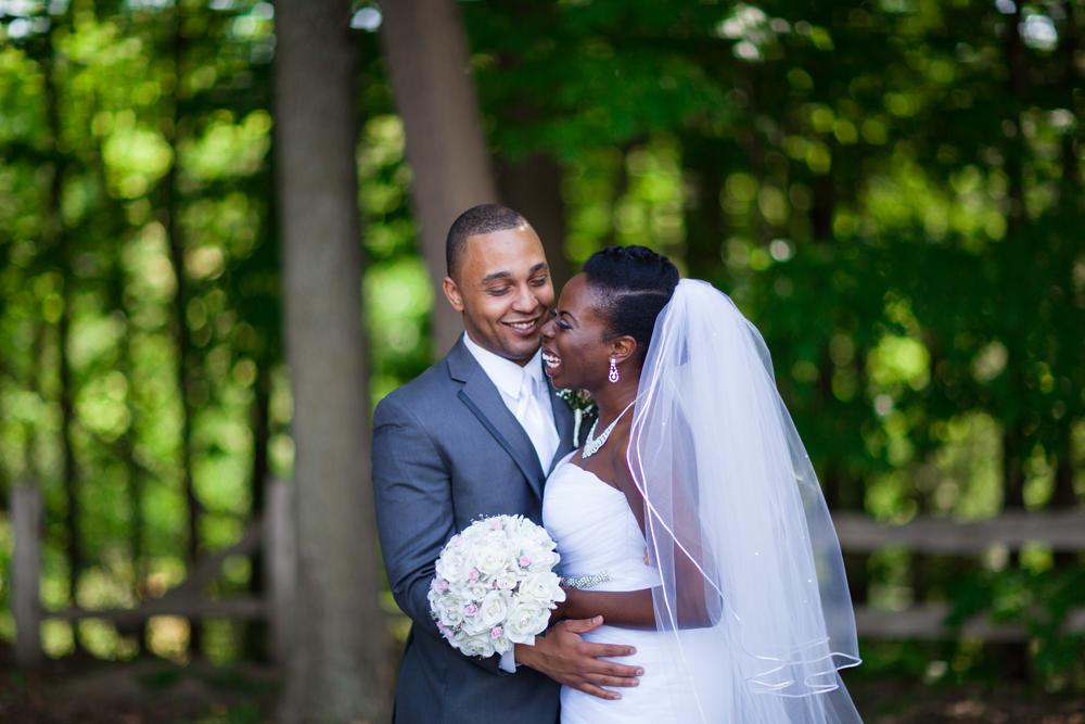 Toronto Edwards Gardens Toronto Botanical Gardens Wedding Photography
