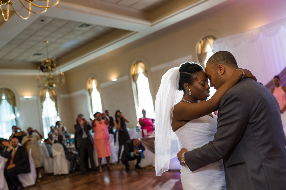 Toronto Romantic Wedding Photography First Dance