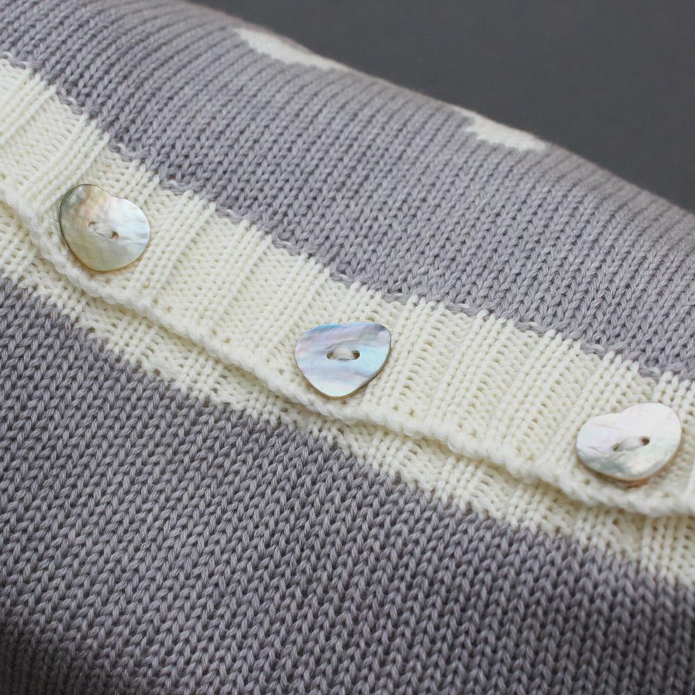 pale-grey-cushion1000a.jpg