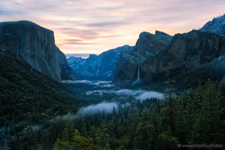 Macphun Aurora HDR 2018 Five shot HDR example - Tunnel View at Dawn - Yosemite National Park, CA
