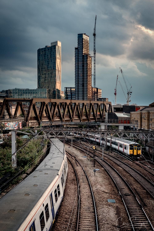 Fuji X-T2 Coming and Going - Shoreditch, East London, UK