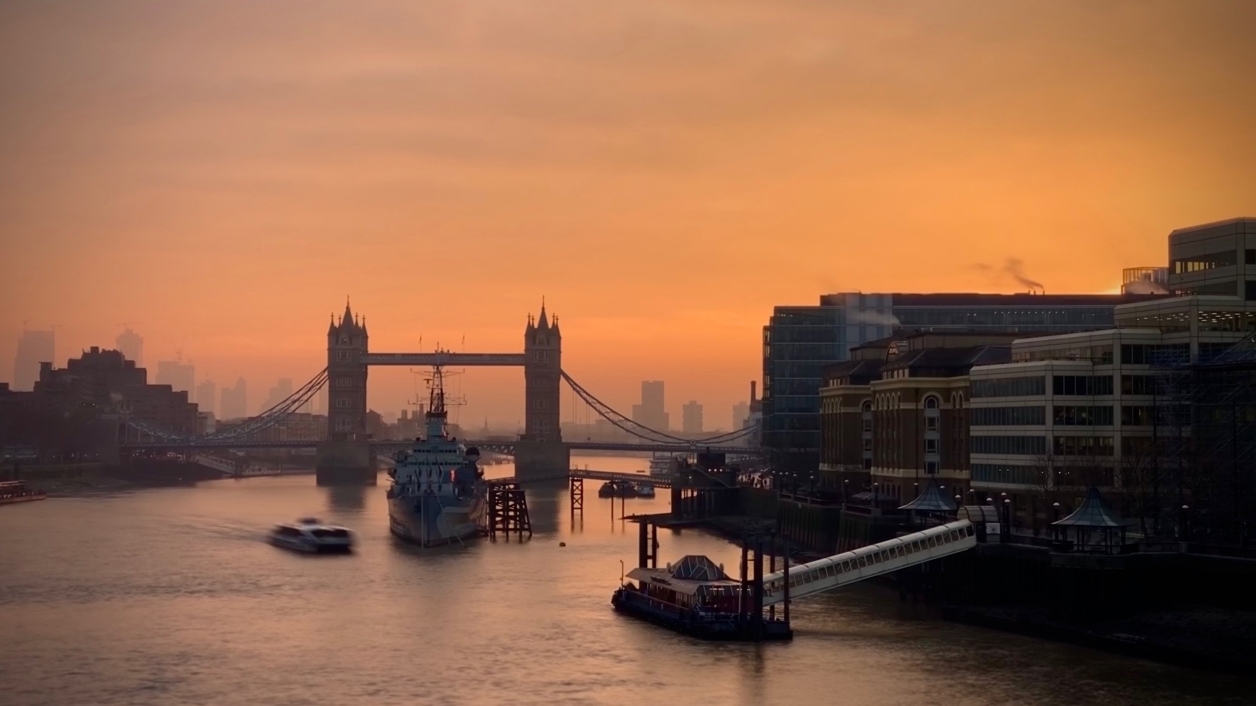 Tower Bridge and the River Thames under a blood red sky iPhone XS Live (Long Exposure)