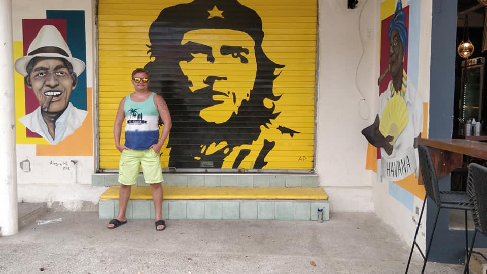 Che's iconic face and beret painted on a storefront in the Mexican surfing town of Salyulita,