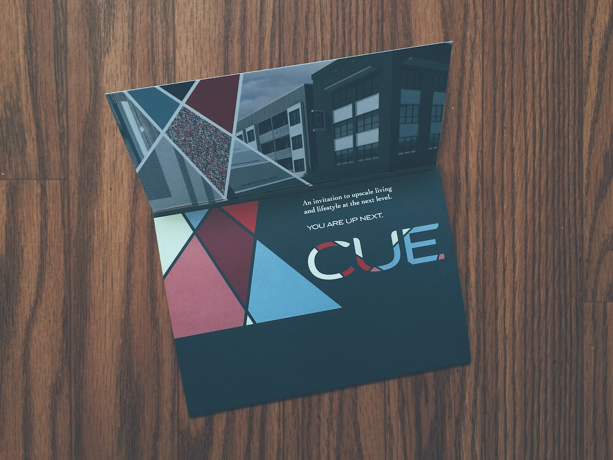CUE-9-broch.jpg