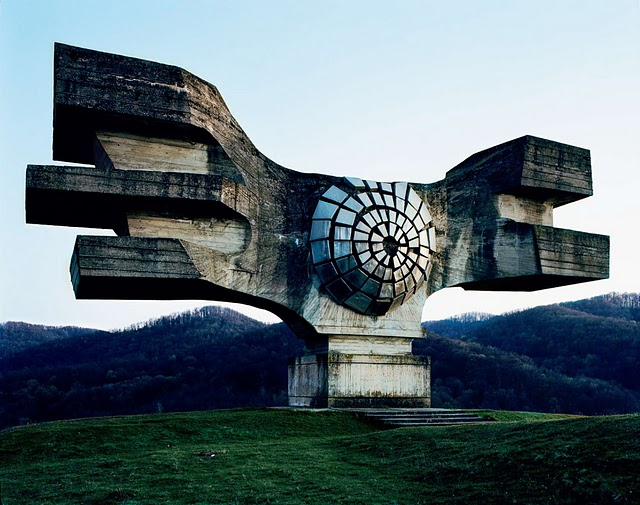 1.   25 Abandoned Soviet Monuments that look like they're from the Future  http://bit.ly/eR2IiO    2.The 20 Most Inappropriate Songs Ever Used In Commercials  http://on.vh1.com/hPnIV2    3. A photo a day http://bit.ly/dHTz37    4. Wow! A realistic dinosaur puppett http://bit.ly/e9Dq63    5. Honest logos  http://bit.ly/dEpZkG