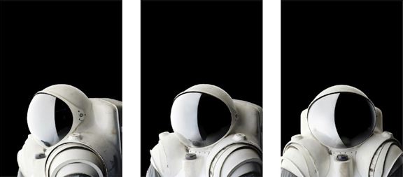 1.Even empty, space suits seem to be looking at you http://bit.ly/hjAsC8    2. Lots of things I didn't know about the Toy Story trilogy http://bit.ly/faR8Fm    3. Chess music http://bit.ly/hDin8h    4. High speed photography http://bit.ly/fDEHtO    5. Slack line http://bit.ly/dJdYi8
