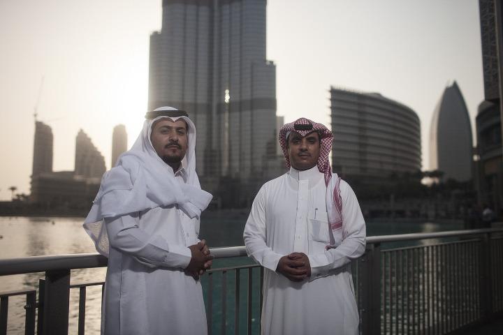 07_Dubai_Men_1_720.jpeg