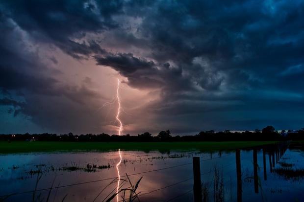 40-+-Outstanding-Photographs-of-Lightning-@-GenCept_13.jpeg